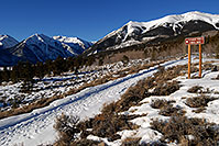 /images/133/2007-01-28-elbert-view1.jpg - #03462: trailhead of Mt Elbert from south side … Jan 2007 -- Mt Elbert, Twin Lakes, Colorado
