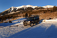 /images/133/2007-01-28-elbert-xterra2.jpg - #03467: Xterra at trailhead of Mt Elbert from south side … Jan 2007 -- Mt Elbert, Twin Lakes, Colorado
