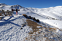 /images/133/2007-01-28-love-skiers2.jpg - #03439: images of Loveland Pass … Jan 2007 -- Loveland Pass, Colorado