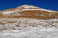 /images/133/2007-01-28-love-view05.jpg - #03485: hiker walking down east face of Loveland Pass … Jan 2007 -- Loveland Pass, Colorado