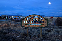 /images/133/2007-04-01-hartsel-sign-night.jpg - #03629: images of Hartsel … April 2007 -- Hartsel, Colorado