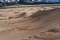 /images/133/2007-04-14-sand-dunes06.jpg - #03780: people walking down Great Sand Dunes … April 2007 -- Great Sand Dunes, Colorado