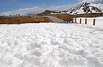 /images/133/2007-05-28-indep-mtns04.jpg - #03864: snowy walkway with Independence Mountain at 12,703 ft in the background … May 2007 -- Independence Pass, Colorado