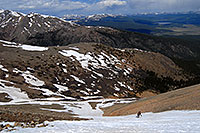 /images/133/2007-06-10-elbert-skier-d01.jpg - 03956: Skier skiing down Mt Elbert … June 2007 -- Mt Elbert, Colorado