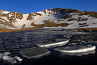 /images/133/2007-06-17-evans-sum-lake1.jpg - #03958: Ice floating on Summit Lake at 12,800 ft elevation … June 2007 -- Summit Lake, Mt Evans, Colorado