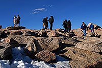 /images/133/2007-06-17-evans-top-people.jpg - #04022: people on top of Mt Evans … June 2007 -- Mt Evans, Colorado