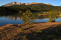 /images/133/2007-06-22-pikes-lake03.jpg - #04036: Morning reflection of Pikes Peak in Crystal Reservoir … June 2007 -- Crystal Reservoir, Pikes Peak, Colorado