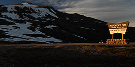 /images/133/2007-06-24-indep-sign-pano.jpg - #04085: evening at Independence Pass … June 2007 -- Independence Pass, Colorado