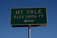 /images/133/2007-06-25-sign-yale.jpg - #04122: Mt Yale - elev 14,196 ft … June 2007 -- Mt Yale, Colorado