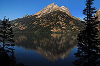 /images/133/2007-07-24-tetons-jenny01.jpg - #04413: Mountain reflection in Jenny Lake … July 2007 -- Jenny Lake, Tetons, Wyoming
