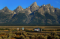 /images/133/2007-07-24-tetons-morn-ple02.jpg - #04361: Photographer taking pictures in the morning of Grand Teton (center) … July 2007 -- Tetons, Wyoming