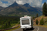 /images/133/2007-07-27-wyo-bear-road05.jpg - #04495: Montana Motorhome along Beartooth Pass Highway … July 2007 -- Beartooth Pass(WY), Wyoming