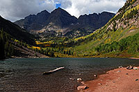 /images/133/2007-09-15-mar-lake-3315.jpg - #04715: Maroon Lake in front of Maroon Bells … Sept 2007 -- Maroon Lake, Maroon Bells, Colorado