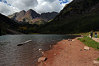 /images/133/2007-09-15-mar-ppl-3363.jpg - #04718: People at Maroon Bells … Sept 2007 -- Maroon Lake, Maroon Bells, Colorado