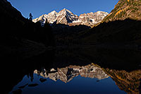 /images/133/2007-09-25-mar-bells-4146.jpg - #04745: Maroon Bells in the morning … Sept 2007 -- Maroon Lake, Maroon Bells, Colorado