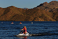 /images/133/2007-10-07-sag-lake-5562.jpg - #04742: Jetskis at Saguaro Lake … Oct 2007 -- Saguaro Lake, Arizona