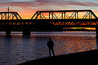 /images/133/2008-11-11-tempe-bridge-45675.jpg - #06015: 72 F (22 Celcius) daily high - first day since April needing long pants :-) - North Bank Boat Beach … November 2008 -- Tempe Town Lake, Tempe, Arizona