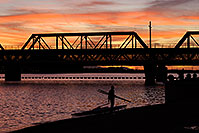 /images/133/2008-11-11-tempe-sculling-45594.jpg - #06021: Sculler at sunset on North Bank Boat Beach at Tempe Town Lake … November 2008 -- Tempe Town Lake, Tempe, Arizona