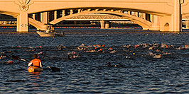 /images/133/2008-11-15-tempe-splash-47380-pano.jpg - #06071: 1 minute into the race - Splash and Dash Fall #6, November 15 2008 at Tempe Town Lake … November 2008 -- Tempe Town Lake, Tempe, Arizona