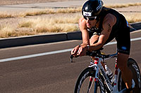 /images/133/2008-11-23-ironman-bike_30-54147.jpg - #06165: 03:48:16 - KIERAN DOE (NZL) #30 leading the bike race - Bike Pros at Arizona Ironman 2008 … November 2008 -- Rio Salado Parkway, Tempe, Arizona