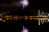 /images/133/2008-11-29-tempe-fireworks-57915.jpg - #06317: APS Fantasy of Lights opening night fireworks over Tempe Town Lake … November 2008 -- Tempe Town Lake, Tempe, Arizona