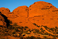 /images/133/2008-12-05-papago-shade-60030.jpg - #06386: Ramada by the Buttes of  Papago Park … December 2008 -- Papago Park, Phoenix, Arizona