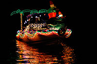 /images/133/2008-12-13-tempe-lights-boats-62799.jpg - #06475: Boat #32 - APS Fantasy of Lights Boat Parade … December 2008 -- Tempe Town Lake, Tempe, Arizona