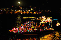 /images/133/2008-12-13-tempe-lights-boats-63221.jpg - #06488: Boat #02 - APS Fantasy of Lights Boat Parade … December 2008 -- Tempe Town Lake, Tempe, Arizona