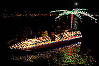 /images/133/2008-12-13-tempe-lights-boats-63605.jpg - #06494: Boat #33 - APS Fantasy of Lights Boat Parade … December 2008 -- Tempe Town Lake, Tempe, Arizona