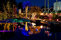 /images/133/2008-12-22-mesa-temple-reflec-66163.jpg - #06531: Christmas Lights at Mesa Arizona Temple … December 2008 -- Mesa Arizona Temple, Mesa, Arizona