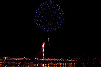 /images/133/2008-12-31-tempe-fireworks-70030.jpg - #06763: New Year`s Fireworks at Tempe Town Lake … December 2008 -- Tempe Town Lake, Tempe, Arizona