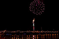 /images/133/2008-12-31-tempe-fireworks-70031.jpg - #06734: New Year`s Fireworks at Tempe Town Lake … December 2008 -- Tempe Town Lake, Tempe, Arizona