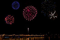 /images/133/2008-12-31-tempe-fireworks-combo3.jpg - #06748: New Year`s Fireworks at Tempe Town Lake … December 2008 -- Tempe Town Lake, Tempe, Arizona