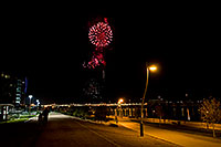 /images/133/2009-01-01-tempe-fireworks-70477.jpg - #06751: New Year`s Fireworks at Tempe Town Lake … January 2009 -- Tempe Town Lake, Tempe, Arizona