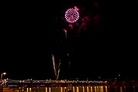 /images/133/2009-01-01-tempe-fireworks-70999.jpg - #06763: New Year`s Fireworks at Tempe Town Lake … January 2009 -- Tempe Town Lake, Tempe, Arizona