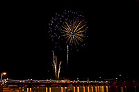/images/133/2009-01-01-tempe-fireworks-71030.jpg - #06766: New Year`s Fireworks at Tempe Town Lake … January 2009 -- Tempe Town Lake, Tempe, Arizona