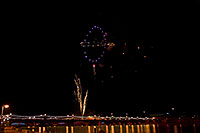 /images/133/2009-01-01-tempe-fireworks-71042.jpg - #06800: New Year`s Fireworks at Tempe Town Lake … January 2009 -- Tempe Town Lake, Tempe, Arizona