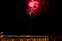 /images/133/2009-01-01-tempe-fireworks-71201.jpg - #06773: New Year`s Fireworks at Tempe Town Lake … January 2009 -- Tempe Town Lake, Tempe, Arizona