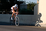 /images/133/2009-09-27-nathan-tri-cycle-114097.jpg - #07468: 01:28:06 - #943 cycling at Nathan Triathlon … September 2009 -- Tempe Town Lake, Tempe, Arizona