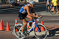/images/133/2009-09-27-nathan-tri-cycle-114312.jpg - #07483: 01:53:11 - #1387 cycling at Nathan Triathlon … September 2009 -- Tempe Town Lake, Tempe, Arizona