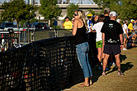 /images/133/2009-09-27-nathan-tri-people-114020.jpg - #07495: 01:07:04 - Spectators at Nathan Triathlon … September 2009 -- Tempe Town Lake, Tempe, Arizona