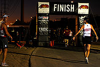 /images/133/2009-10-08-tempe-splash-114854.jpg - #07517: 00:38:55 into the race - only a few finishers left - Splash and Dash Fall #2, Oct 8, 2009 at Tempe Town Lake … October 2009 -- Tempe Town Lake, Tempe, Arizona