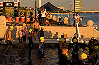 /images/133/2009-10-22-tempe-splash-117548.jpg - #07597: 4 minutes before the race - Splash and Dash Fall #3, Oct 22, 2009 at Tempe Town Lake … October 2009 -- Tempe Town Lake, Tempe, Arizona