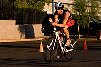 /images/133/2009-10-25-soma-bike-118254.jpg - #07620: 01:00:47 #676 starting 56 mile cycling stage at Soma Triathlon … October 25, 2009 -- Rio Salado Parkway, Tempe, Arizona