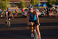 /images/133/2009-10-25-soma-bike-118262.jpg - #07621: 01:02:26 #1032 starting 56 mile cycling stage at Soma Triathlon … October 25, 2009 -- Rio Salado Parkway, Tempe, Arizona