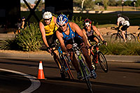 /images/133/2009-10-25-soma-bike-118287.jpg - #07627: 01:06:10 #414 leading #602 cycling at Soma Triathlon … October 25, 2009 -- Rio Salado Parkway, Tempe, Arizona