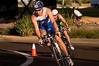 /images/133/2009-10-25-soma-bike-118299.jpg - #07628: 01:06:27 #638 cycling at Soma Triathlon … October 25, 2009 -- Rio Salado Parkway, Tempe, Arizona