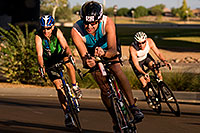 /images/133/2009-10-25-soma-bike-118327.jpg - #07631: 01:06:56 #562 cycling at Soma Triathlon … October 25, 2009 -- Rio Salado Parkway, Tempe, Arizona