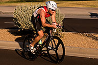 /images/133/2009-10-25-soma-bike-118395.jpg - #07639: 01:11:37 #761 cycling at Soma Triathlon … October 25, 2009 -- Rio Salado Parkway, Tempe, Arizona