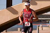 /images/133/2009-10-25-soma-run-119832.jpg - #07681: 03:23:57 #426 running at Soma Triathlon … October 25, 2009 -- Tempe Town Lake, Tempe, Arizona